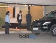 Shraddha Kapoor Spotted At Aditya Roy Kapoor House Bandra Photos