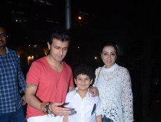 Sonu Nigam With Family Spotted At Nara Thai BKC Bandra Photos