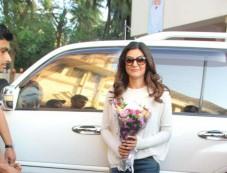Sushmita Sen Spotted At Bandra Photos