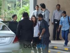 Abhishek Bachchan And Aishwarya Rai Bachchan With Daughter Aaradhya In School Photos