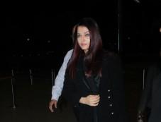 Aishwarya Rai Bachchan Spotted At Airport Photos
