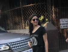Alia Bhatt Spotted At Dubbing Studio Bandra Photos
