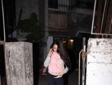 Amisha Patel Spotted At Kromakay Salon Juhu Photos