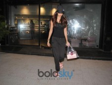 Disha Patani Spotted At Bandra Photos