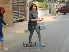 Genelia D'Souza Spotted At Bandra Photos