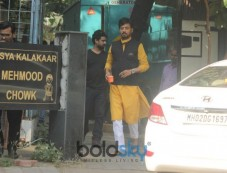 Irrfan Khan Spotted At Amazon Web Series Shoot In Juhu Photos