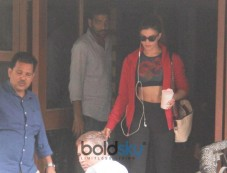 Jacqueline Fernandez Spotted At Juhu Photos