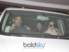 Kareena Kapoor Khan, Malaika Arora , Amrita Arora Spotted In Bandra Photos