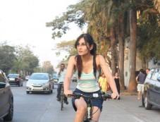 Pooja Chopra Spotted At Lokhandwala Back Road Photos