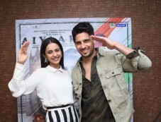 Rakul Preet Singh And Sidharth Malhotra Interview Of Upcoming Movie 'Aiyaary' Photos