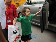 Sanjay Dutt And Amrita Arora Kids Spotted At Juhu Photos
