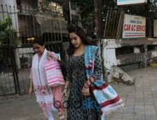 Sara Ali Khan Spotted With Mom At Kromakay Juhu Photos