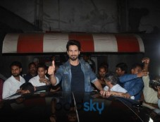 Shahid Kapoor Spotted At Chandan Cinema In Juhu Photos