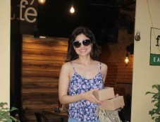 Shamita Shetty Spotted At Farmer Cafe In Bandra Photos