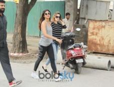 Shilpa Shetty Spotted At Juhu Photos