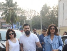 Shilpa Shetty Spotted With Family At Juhu PVR Photos