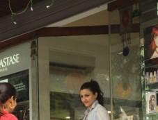 Soha Ali Khan Spotted At Bandra Photos