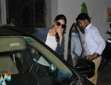 Vaani Kapoor Spotted At Bandra Photos