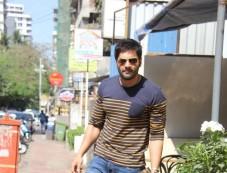 Ali Fazal Spotted At Bandra Photos
