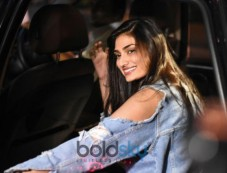 Athiya Shetty Spotted At Kromakay Juhu Photos