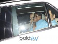 Celebs Meets Jhanvi Kapoor At Anil Kapoor House Photos