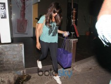 Celebs Spotted At B Blunt Khar Photos