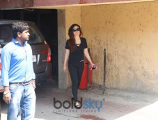 Kareena Kapoor Spotted At Gym Bandra Photos