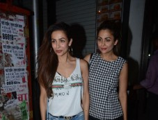 Malaika Arora With Sister Amrita Spotted At Bastian Bandra Photos