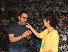 Aamir Khan Celebrates Birthday With Media Photos