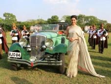 Deepika Padukone Gorgeous Saree Look Photos
