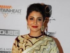Anushka Sharma Looks Stunning in a Saree Photos