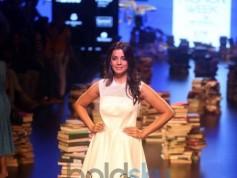 Jacqueline Fernandez Walks For Rajesh Pratap Singh's At Lakme Fashion Week 2016