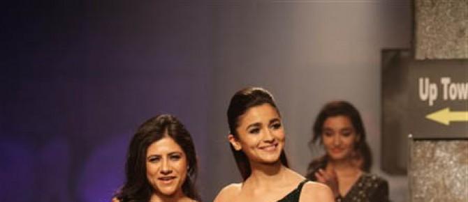 Namrata Joshipura Fashion Show ,Alia Bhatt Showstopper At AIFW 2017