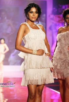 Swarovski Gems Fashion Show
