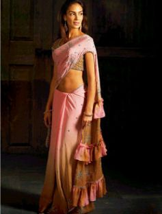 Frilled pallu in pink saree