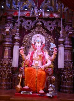 Lalbag Cha Raja Biggest  idol standing tall at 21 feet