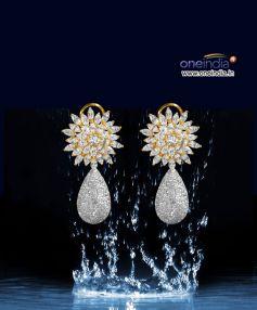 Detachable Diamond Earrings with Splash