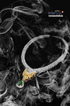 Diamond Necklace with Precious Emerald stone