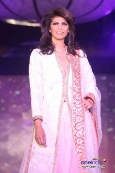 Manish Malhotra and Lilavati Hospital Save and Empower Girl Child Fashion Show