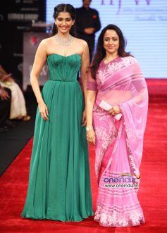 Sonam Kapoor and Hema Malini