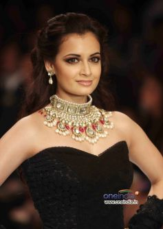 Dia Mirza Walks the Ramp for Golecha's Jewels