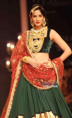 Sonal Chauhan look dazzling
