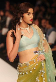 Model Walk Ramp For Kashi Jewels Show