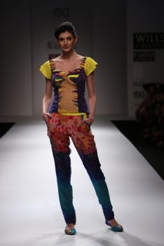 Wills Lifestyle Fashion Week 2012
