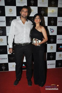 Chetan Hansraj and wife