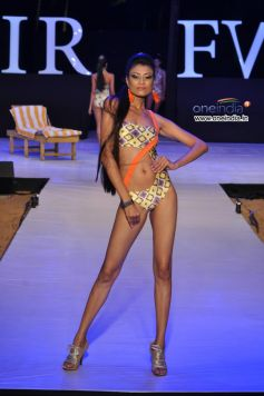 Model @ Designer Nidhi Munim's IRFW 2012 showcase