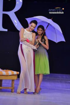 Models in Beautiful dress
