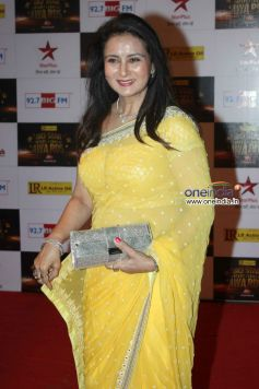 Poonam Dhillon At Big Star Entertainment Awards 2012