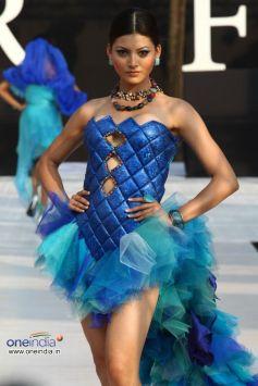 Model In Beautiful Blue Dress