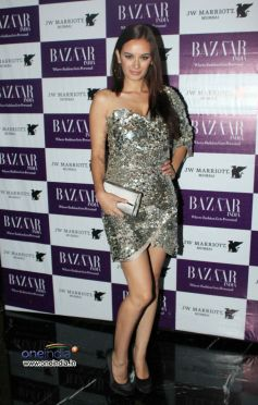 Evelyn Sharma at Harper's Bazzar Bash 2012